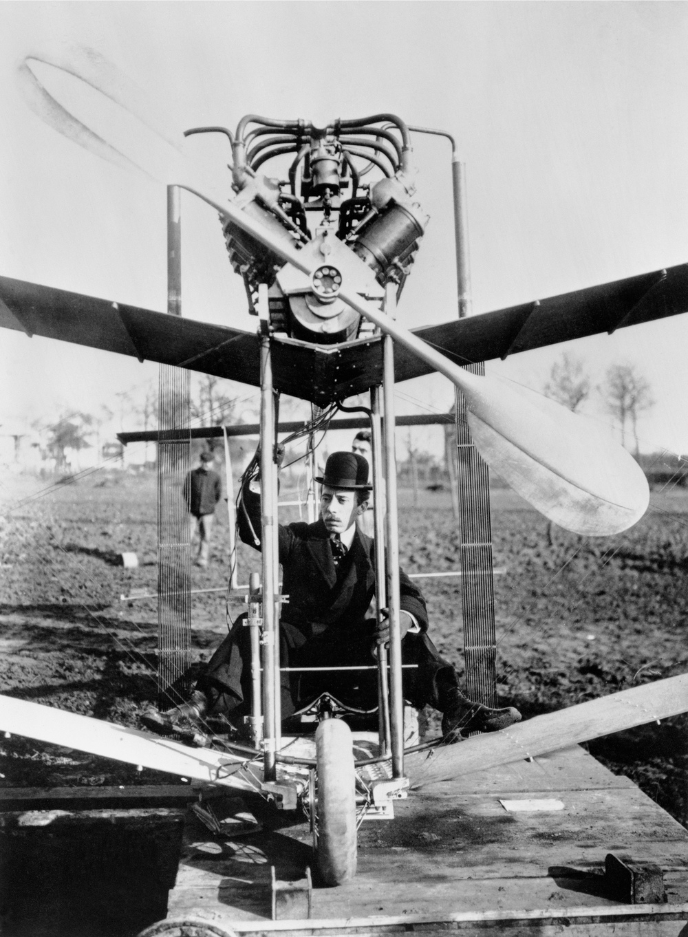 Santos-Dumont's 14-bis plane was a contemporary of the Wright Brothers' planes and the first with a wheeled undercarriage.