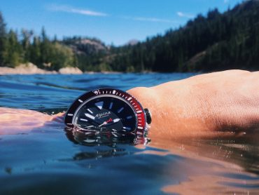Alpina Seastrong Diver 300 Automatic Watch Review Wrist Time Reviews